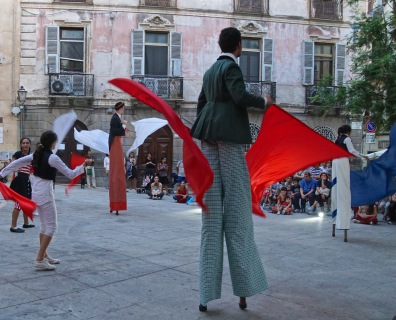 Evening Stilt Walkers-Piazza San Sepolcro